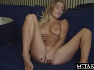 Blonde with big natural tits wants you to watch her masturbating metartx kink