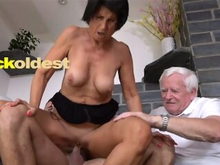 Old Man Licks Cum off His Wife Yetta cuckoldest kink