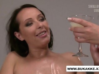 Carolina Vogue Enjoys Cum Cocktail Blow Bang - bukkake.xxx bukkakexxx cum
