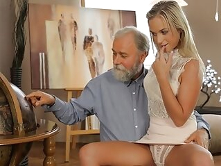 OLD4K. Shanie has a crush on her grey-bearded geography teacher blonde blowjob