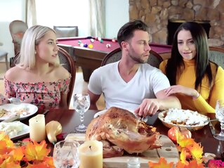 MyFamilyPies-Avi Love And Paisley Bennett-Thanksgiving blonde brunette