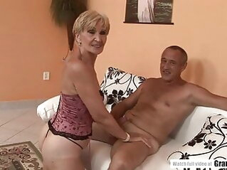 Amateur Mature Squirting And Getting Fucked Hard blowjob hardcore