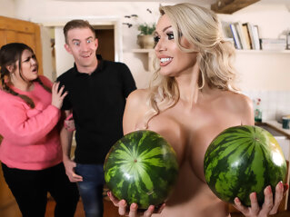 Amber Jayne & Danny D in New To Nudism - BRAZZERS brazzers