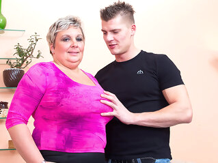 Big Breasted Mature Bbw Fucking And Sucking Her Younger Lover - MatureNL maturenl